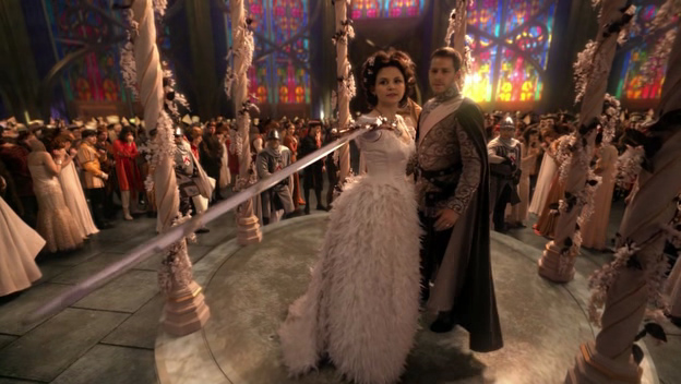 Snow threatens the Evil Queen in the first episode.